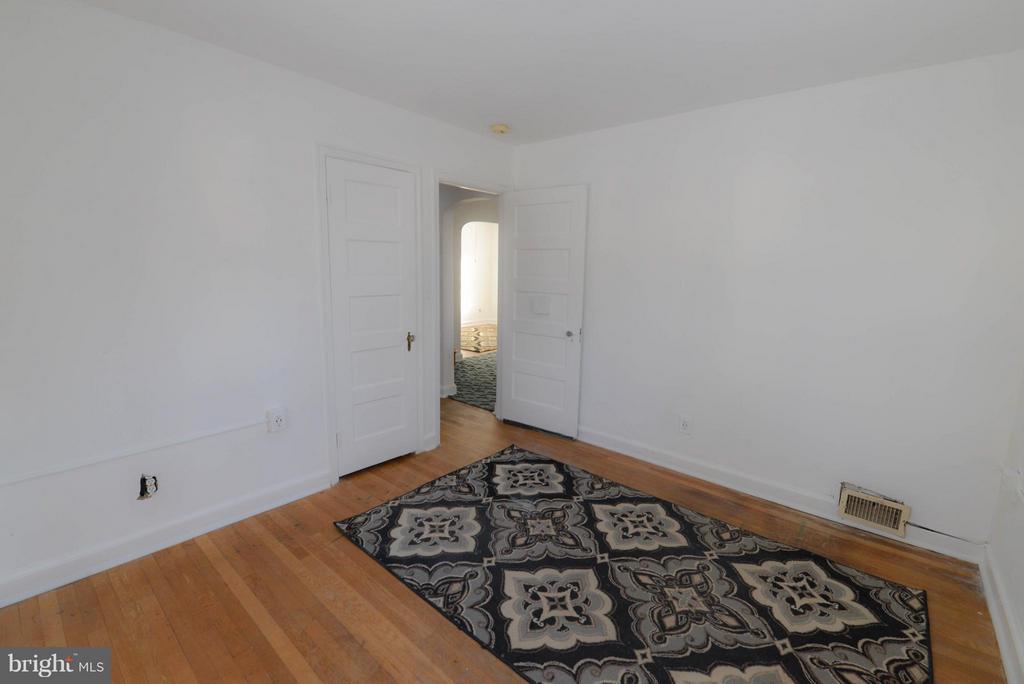 Bedroom #1 - 4533 WINDSOR LN, BETHESDA