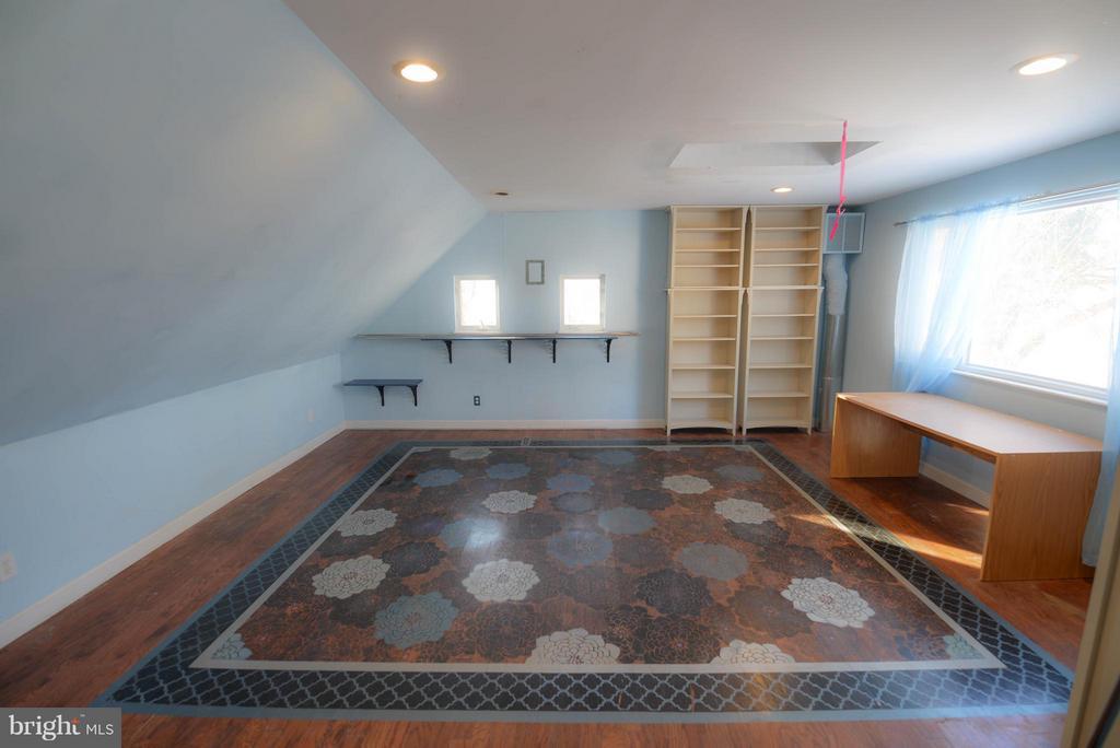 Upstairs Bedroom - 4533 WINDSOR LN, BETHESDA