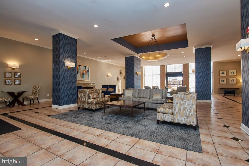 Beautiful newly renovated Lobby - 5500 HOLMES RUN PKWY #805, ALEXANDRIA
