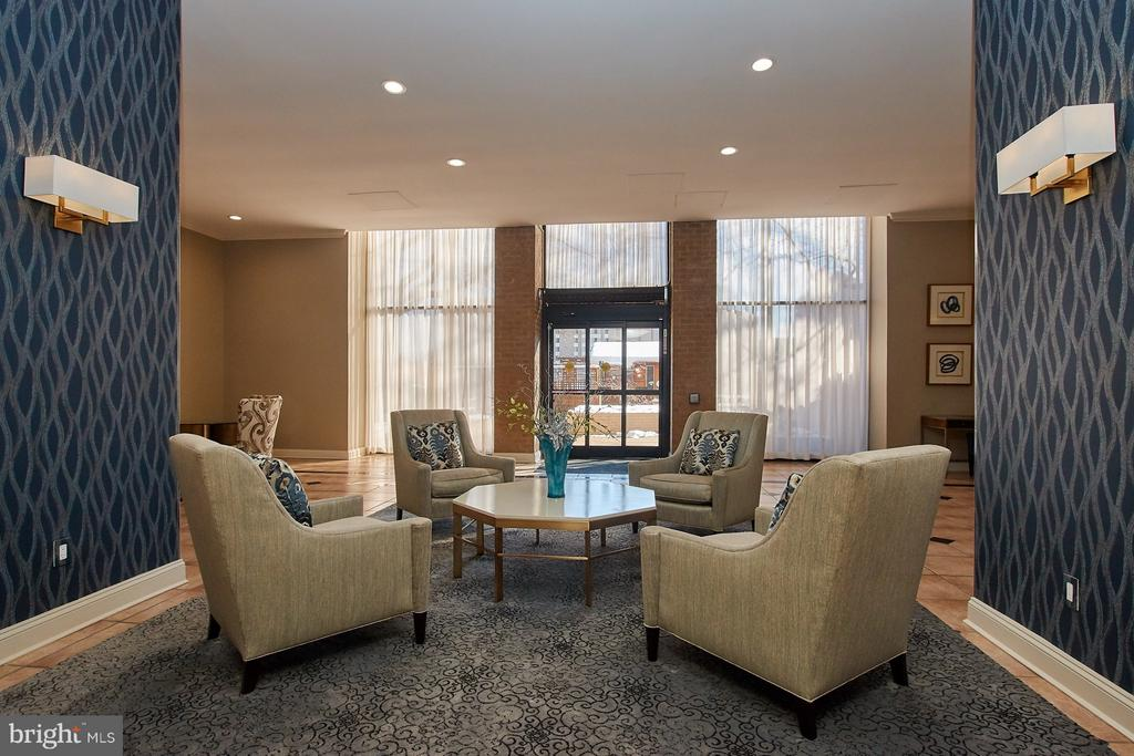 Lobby with Doors to Pool - 5500 HOLMES RUN PKWY #805, ALEXANDRIA