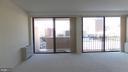 Main living area - 4141 N HENDERSON RD #715, ARLINGTON
