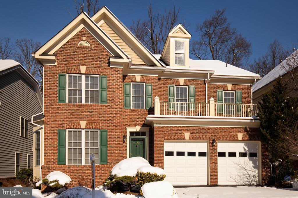 9198  TOPAZ STREET, Fairfax, Virginia