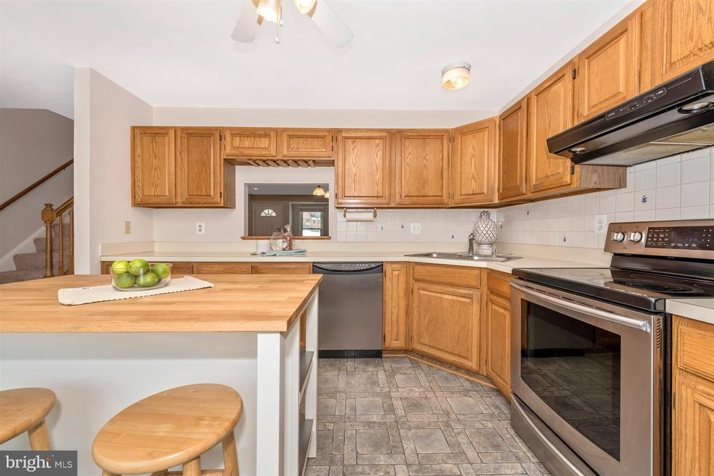 Updated appliances - 6632 E BEACH DR, NEW MARKET