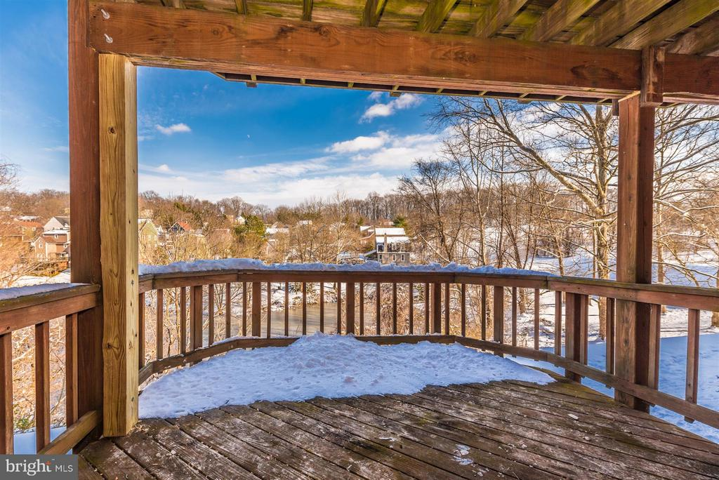 Lower level deck - 6632 E BEACH DR, NEW MARKET