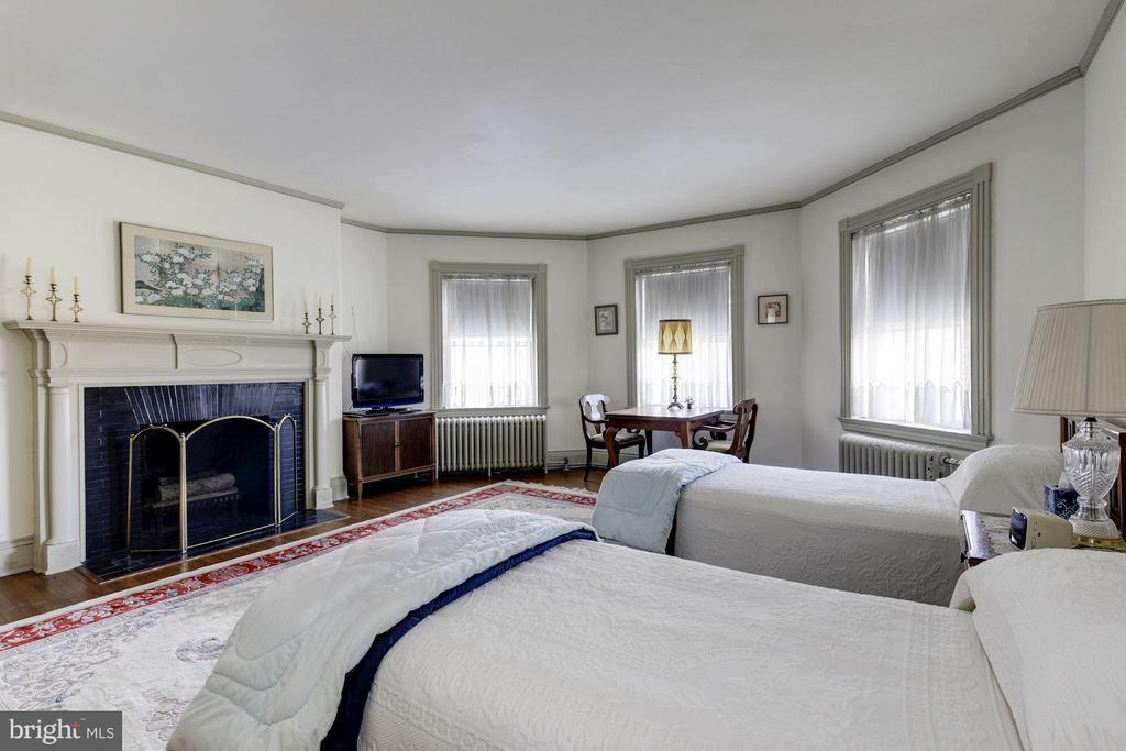 Bedroom 2 - 16449 ED WARFIELD RD, WOODBINE