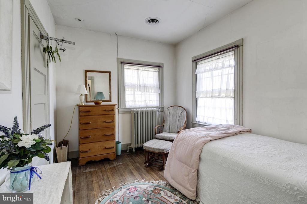 Bedroom 12 - 16449 ED WARFIELD RD, WOODBINE