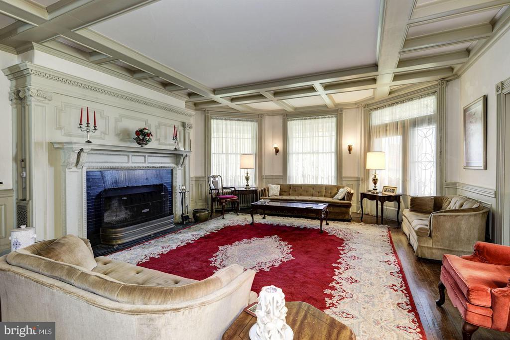 Living Room - 16449 ED WARFIELD RD, WOODBINE