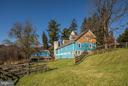 Stable & Barn - 16449 ED WARFIELD RD, WOODBINE