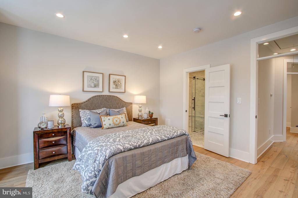 Master bedroom/suite - 406 N ST NW, WASHINGTON