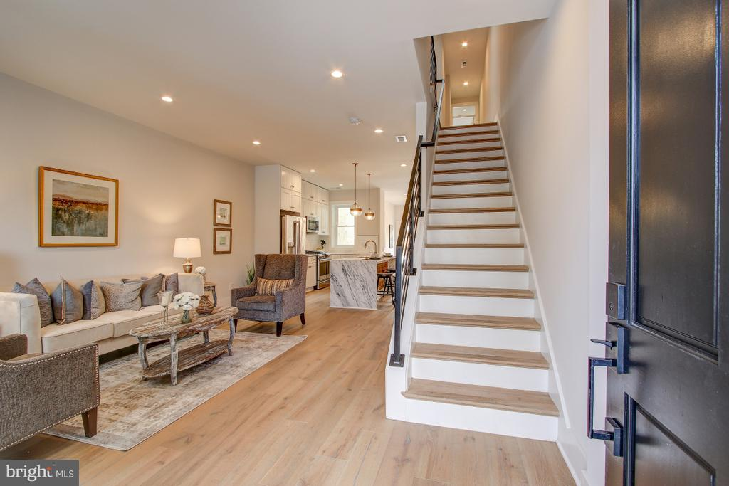Welcoming open floor plan - 406 N ST NW, WASHINGTON