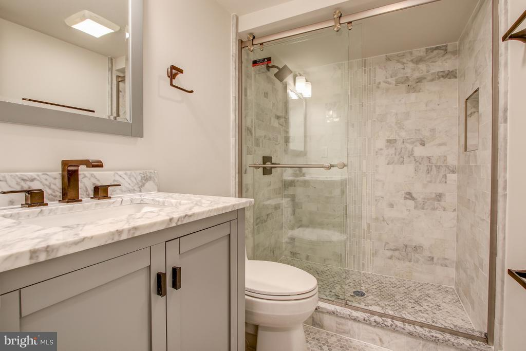 Lower level bath - 406 N ST NW, WASHINGTON
