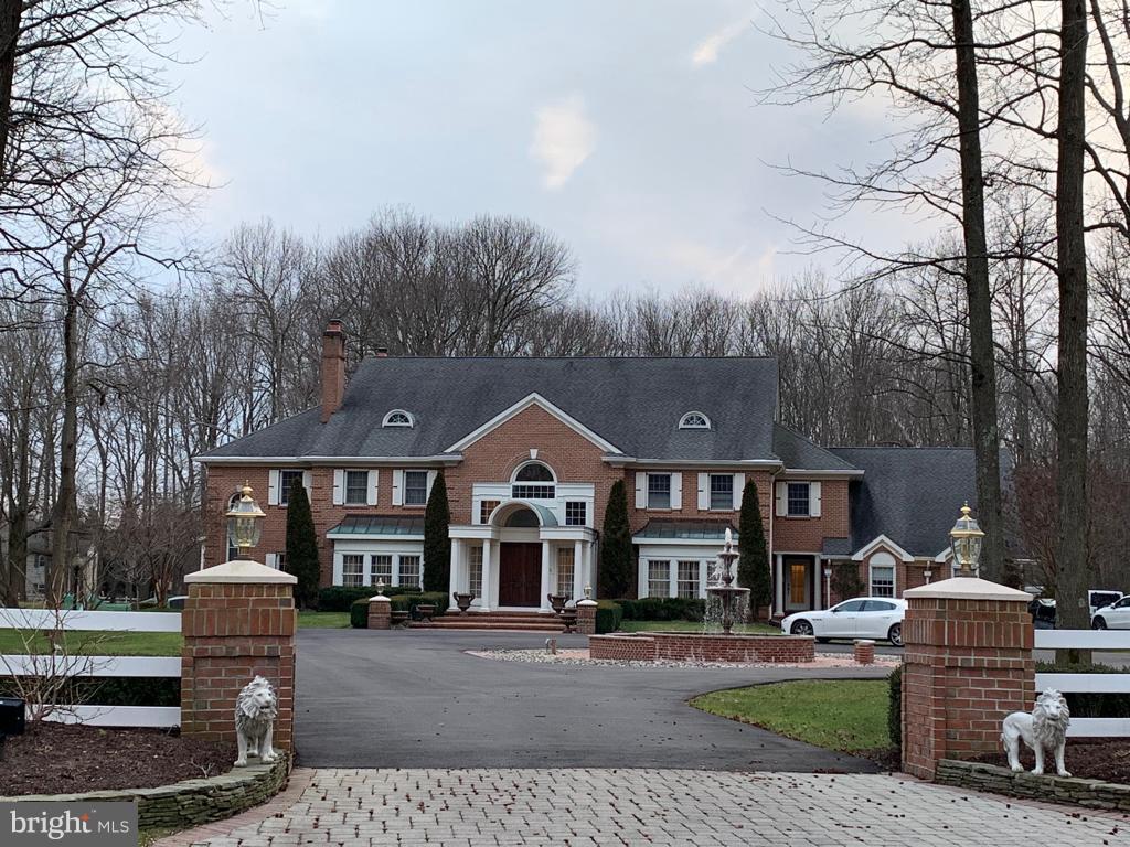 Casa Unifamiliar por un Venta en 1 COBBLESTONE Court Moorestown, Nueva Jersey 08057 Estados UnidosEn/Alrededor: Moorestown