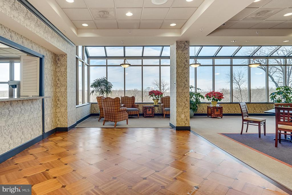 Community Room with spectacular views - 19360 MAGNOLIA GROVE SQ #101, LEESBURG