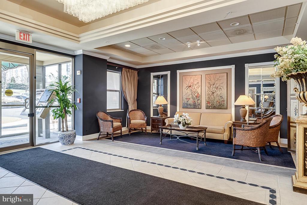 Magnolia East Lobby - 19360 MAGNOLIA GROVE SQ #101, LEESBURG