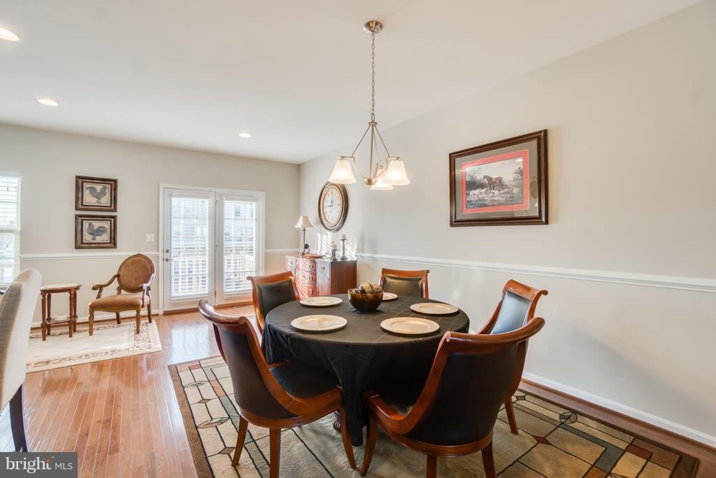 Dining Area right off of Kitchen - 117 SWEETGUM CT, STAFFORD