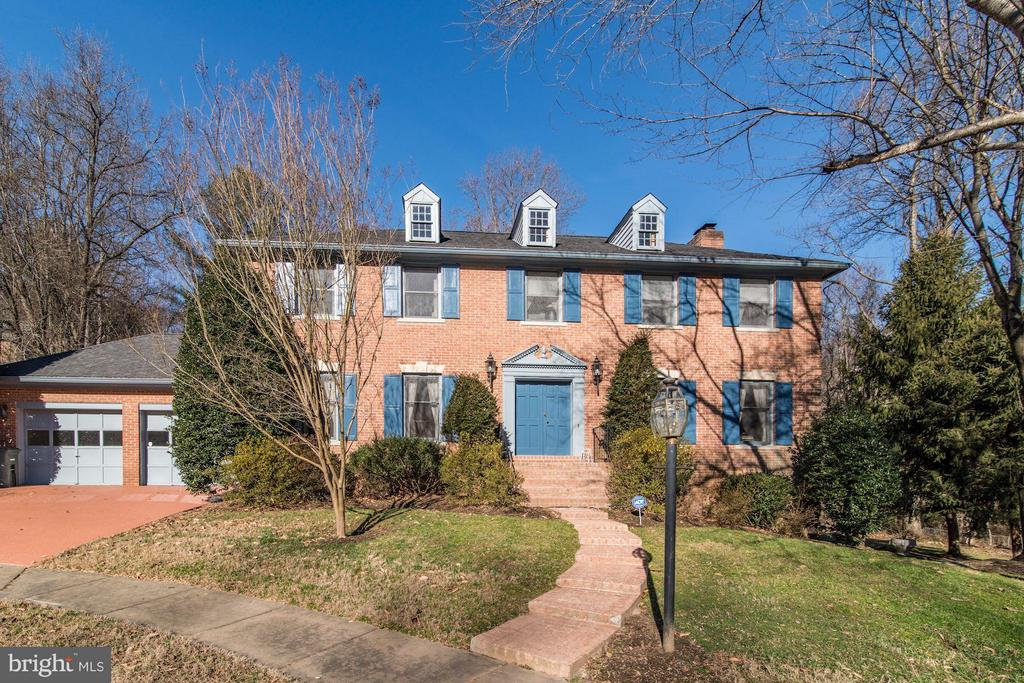 4148 Round Hill Road - 4148 ROUND HILL RD, ARLINGTON