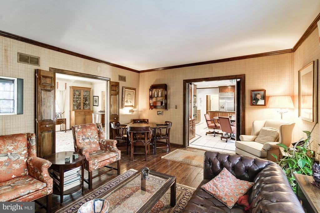 Family Room - 4148 ROUND HILL RD, ARLINGTON