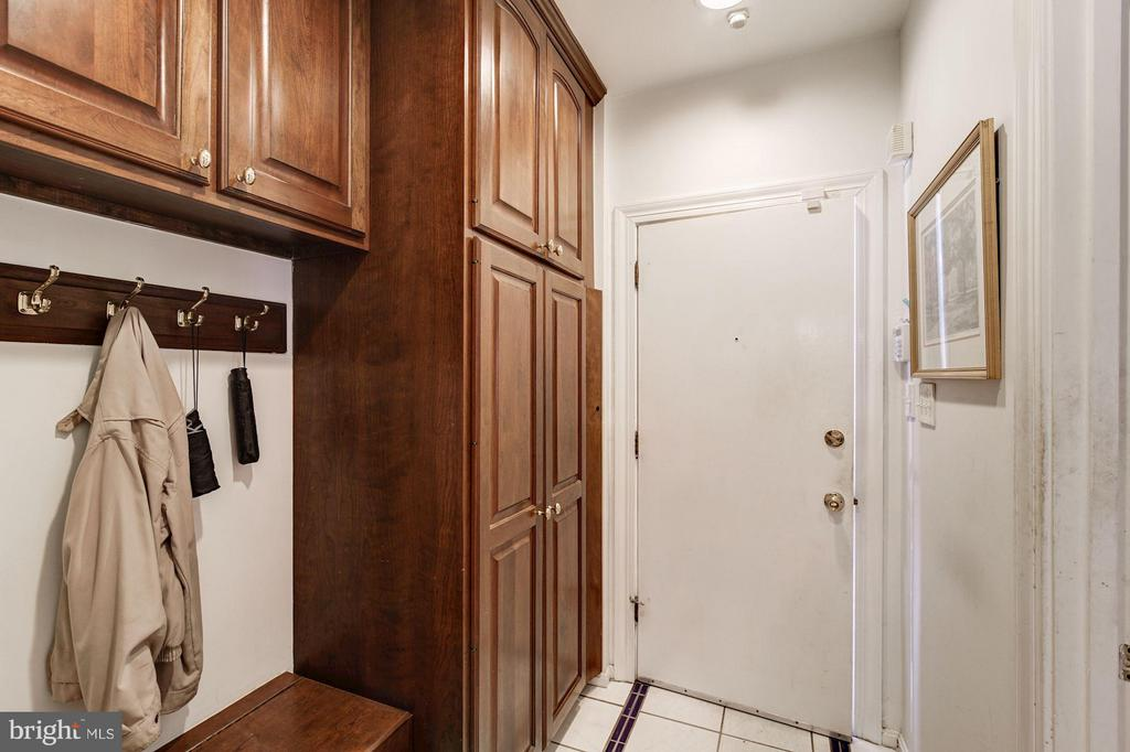 Mud Room with custom pantry built-ins - 4148 ROUND HILL RD, ARLINGTON