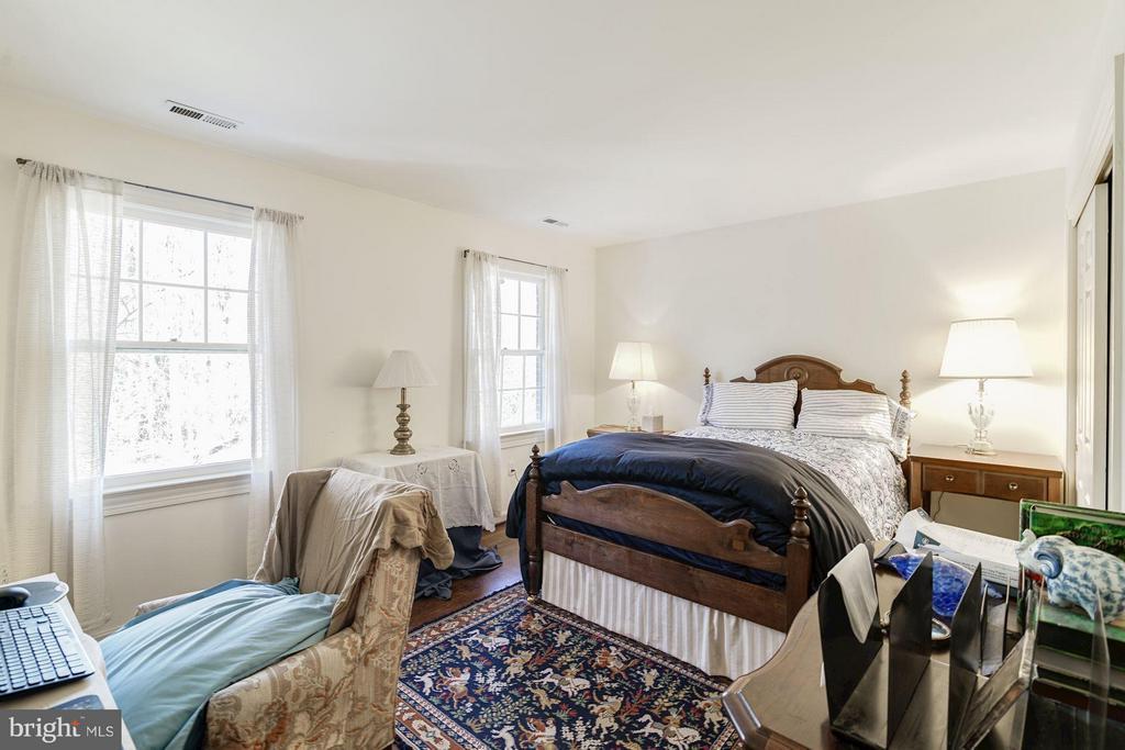 Second Bedroom - 4148 ROUND HILL RD, ARLINGTON