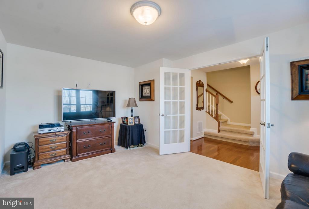 Lots of Options for this Multi-Purpose Room - 117 SWEETGUM CT, STAFFORD