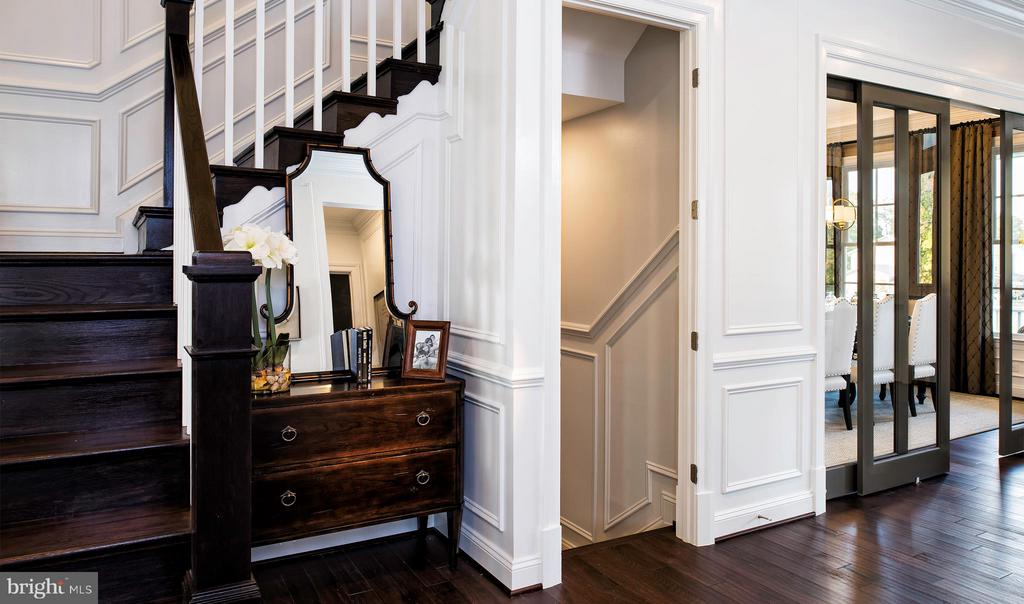Main stairs & foyer - 40999 SPANGLEGRASS CT, ALDIE