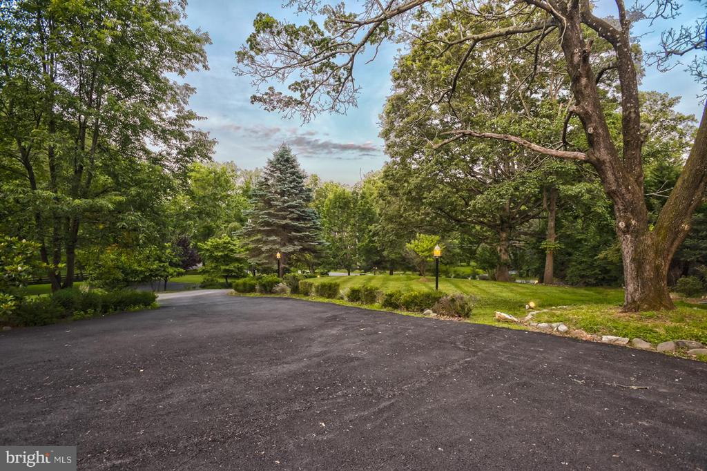 Driveway out - 534 UTTERBACK STORE RD, GREAT FALLS