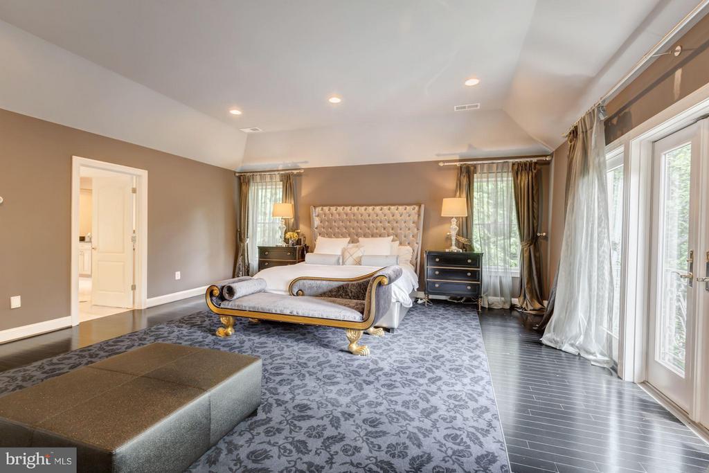 Upper master bedroom 1 - 534 UTTERBACK STORE RD, GREAT FALLS