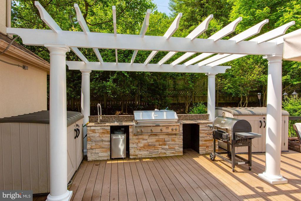 Outdoor kitchen - 534 UTTERBACK STORE RD, GREAT FALLS