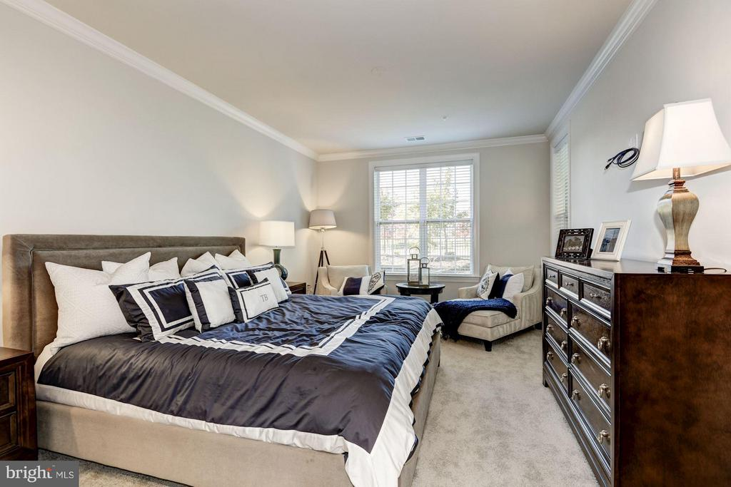 Faircourt  Master Bedroom - 21007 ROCKY KNOLL SQ #105, ASHBURN