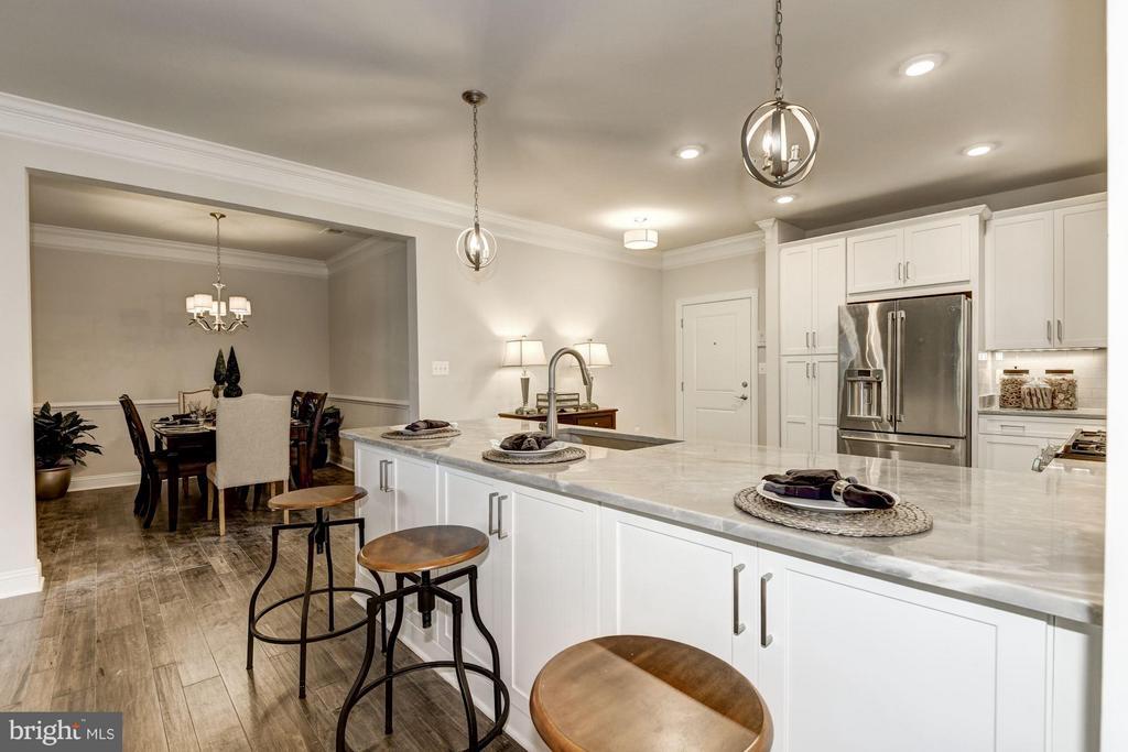 Faircourt Kitchen - 21007 ROCKY KNOLL SQ #105, ASHBURN