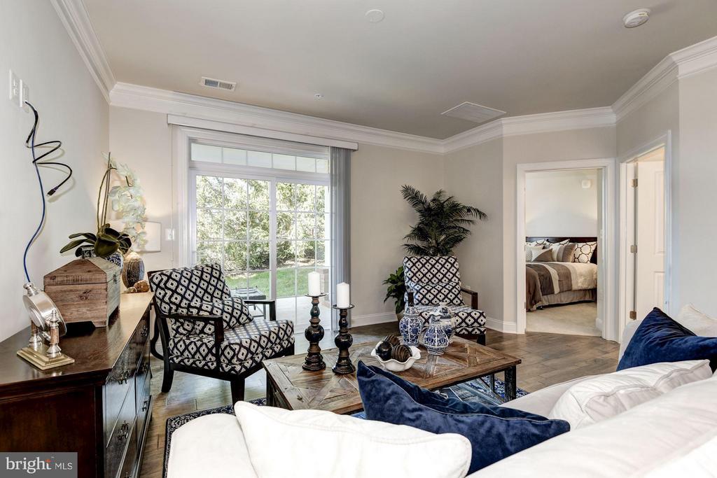Faircourt  Family Room - 21007 ROCKY KNOLL SQ #105, ASHBURN