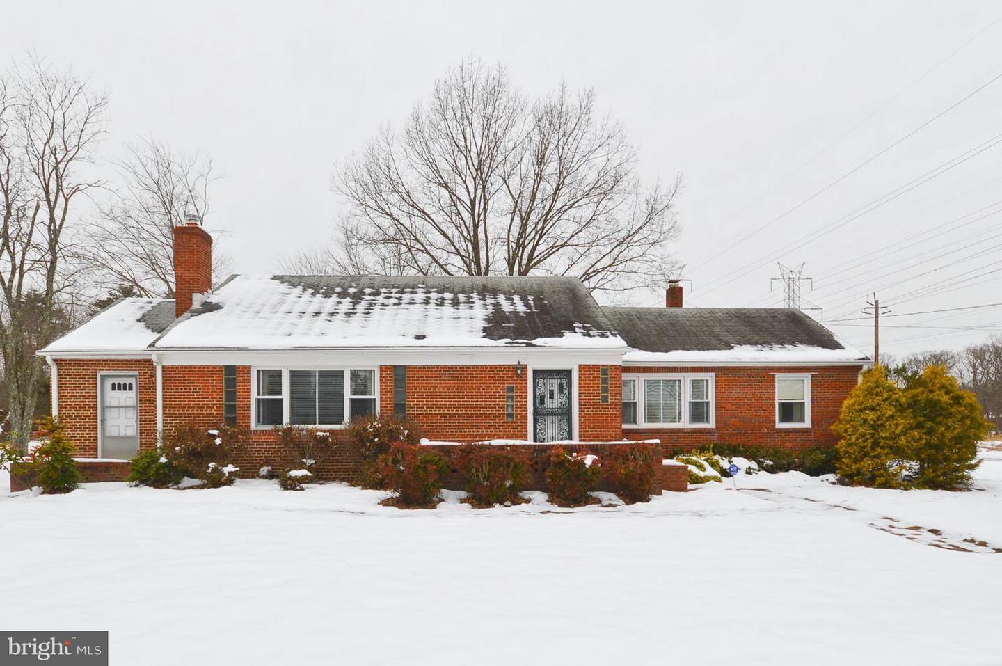 Photo of home for sale at 9001 Allentown Road, Fort Washington MD