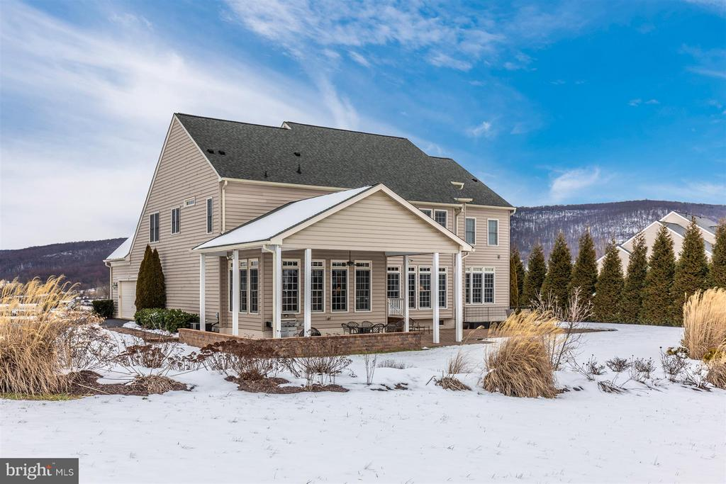 Gorgeous rear elevation of house & mountains - 4207 MARYLAND CT, MIDDLETOWN