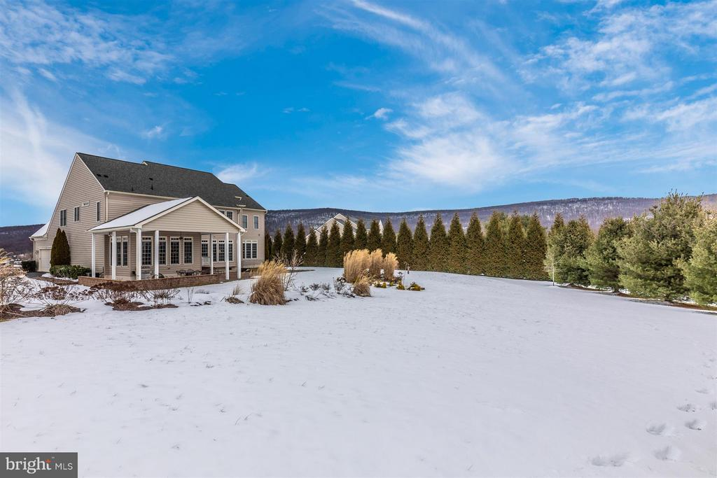 Gorgeous mountain views abound - 4207 MARYLAND CT, MIDDLETOWN