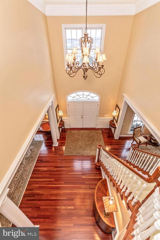 View of foyer & stairway from 2nd level - 4207 MARYLAND CT, MIDDLETOWN