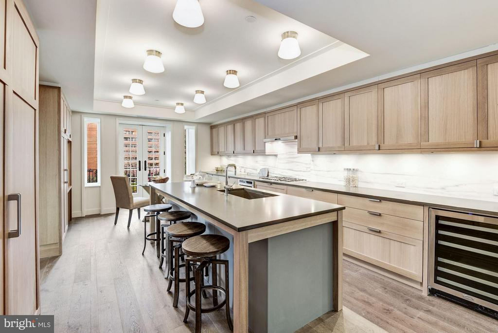 Chef's Kitchen with PentalQuartz Surfaces - 2660 CONNECTICUT AVE NW #3C, WASHINGTON