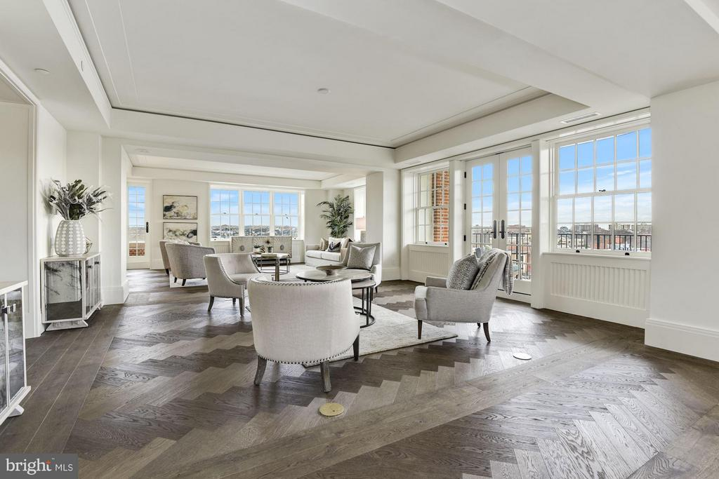 Expansive Formal Living Areas - 2660 CONNECTICUT AVE NW #3C, WASHINGTON