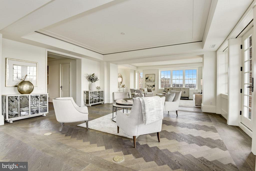 Distinguished Finishes Throughout - 2660 CONNECTICUT AVE NW #3C, WASHINGTON