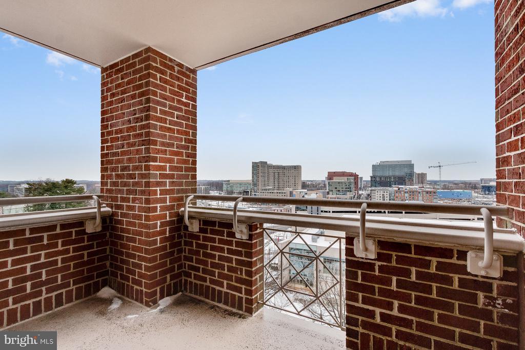 Balcony view - 5809 NICHOLSON LN #1011, NORTH BETHESDA