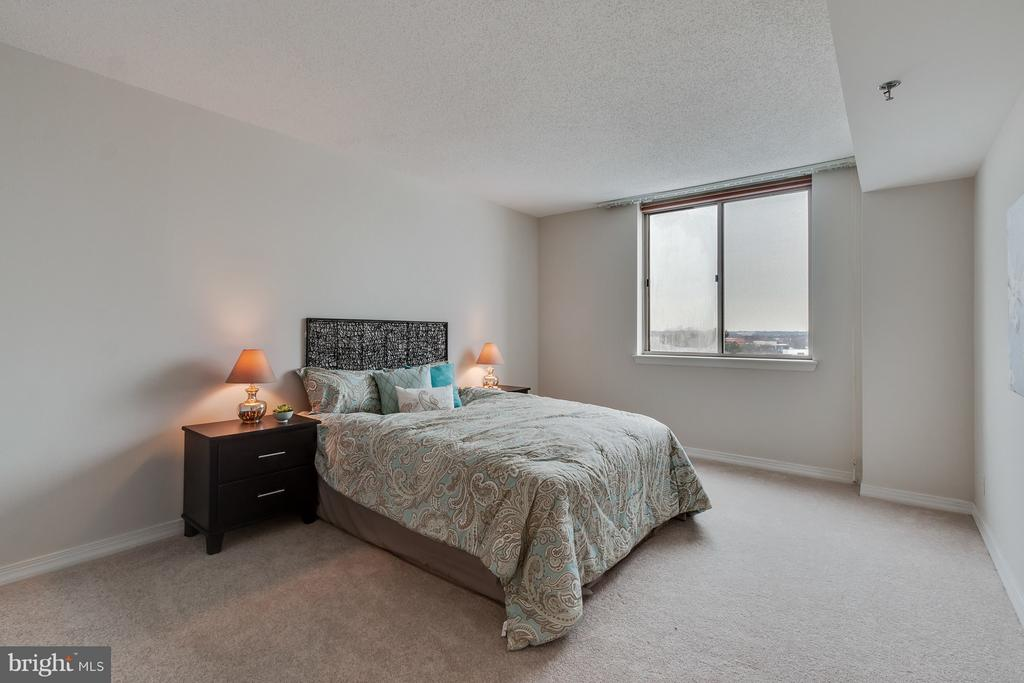 Master Bedroom - 5809 NICHOLSON LN #1011, NORTH BETHESDA