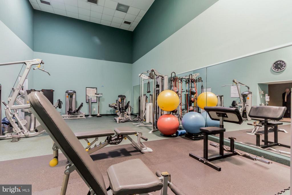 Athletic Facility - 5809 NICHOLSON LN #1011, NORTH BETHESDA