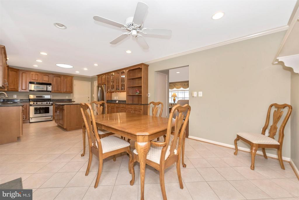 Dining Area open to Kitchen - 7911 OPOSSUMTOWN PIKE, FREDERICK