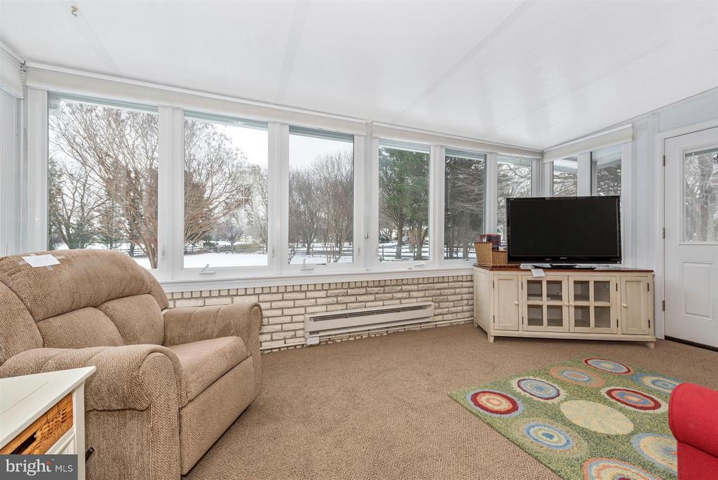 Wall of Windows to enjoy the views - 7911 OPOSSUMTOWN PIKE, FREDERICK