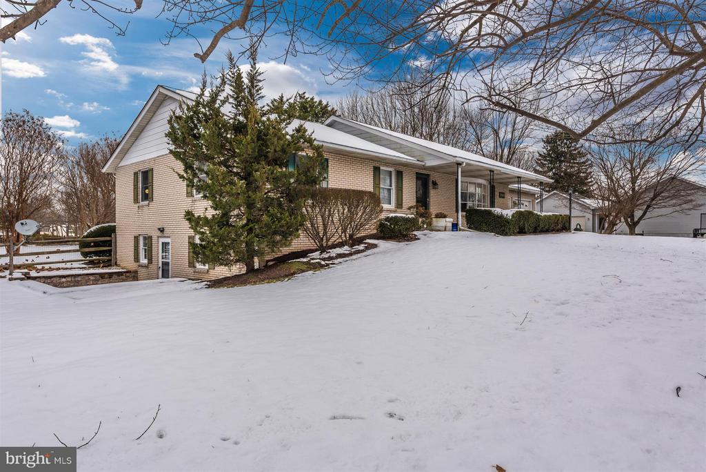 Situated on 1.03 Acres - 7911 OPOSSUMTOWN PIKE, FREDERICK