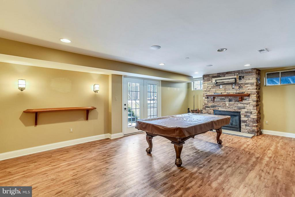 Walk up exit in the basement adds lots of light - 21409 STURMAN PL, BROADLANDS