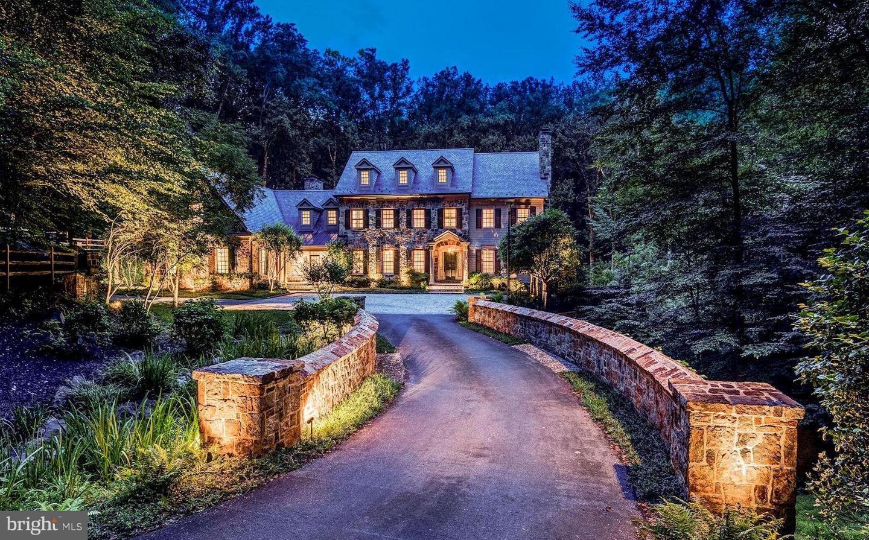 Single Family Home for Sale at 7019 Natelli Woods Lane 7019 Natelli Woods Lane Bethesda, Maryland 20817 United States
