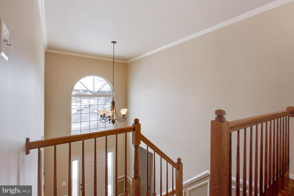 2 Story Foyer - 109 LAKE VIEW WAY NW, LEESBURG