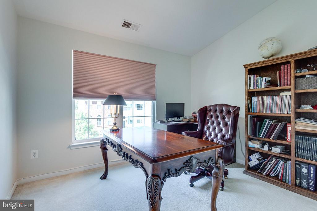 All bedrooms have shades - 20144 PRAIRIE DUNES TER, ASHBURN
