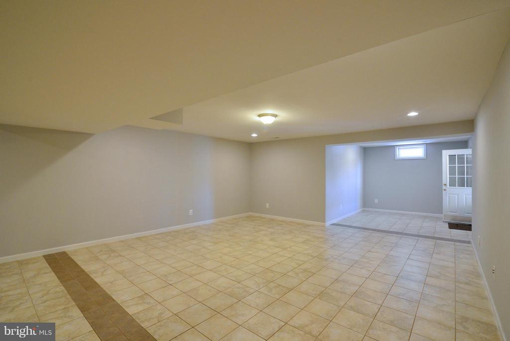 Full Finished Basement - 10613 BUSICK CT, GAINESVILLE