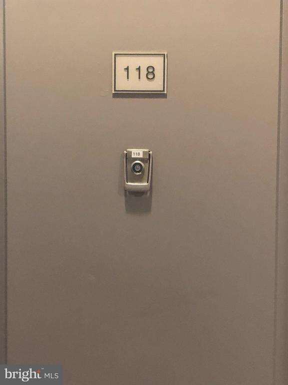 #118 - 1021 N GARFIELD ST #118, ARLINGTON